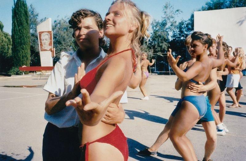 nudisti-erotika-filmi