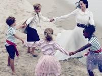 Анджелина Джоли с детьми и Брэдом Питтом в красивой и чувственной фотосессии для Vogue