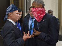 Обмен суровыми взглядами Путина и Обамы породил волну фото-пародий в Интернете