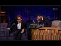Они начали оскорблять друг друга в прямом эфире. Через минуту зал рыдал от смеха!