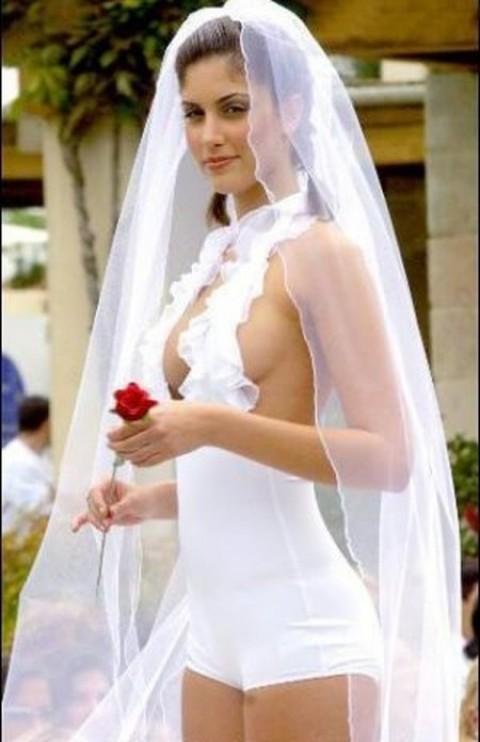 20 самых эпичных свадебных платьев