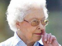 """15 самых """"неловких моментов"""" из-за которых пришлось краснеть членам британской королевской семьи"""