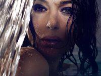 52-летняя Моника Белуччи в бассейне: невероятная красота