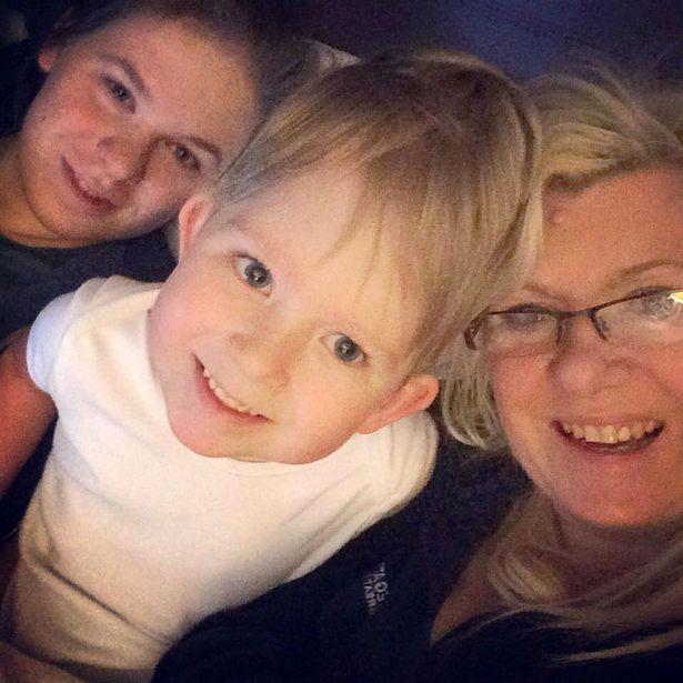 14 69 Мальчик, который родился почти без головного мозга спустя 5 лет