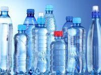 Вот почему нельзя повторно использовать пластиковую бутылку для воды, даже если вы ее помыли. Опасно!