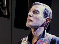 Это фото Фредди Меркьюри за час до смерти. Ты не представляешь, КАКУЮ песню он пел умирая…