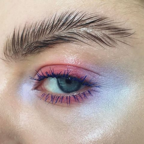 Брови-перья – неожиданный модный тренд