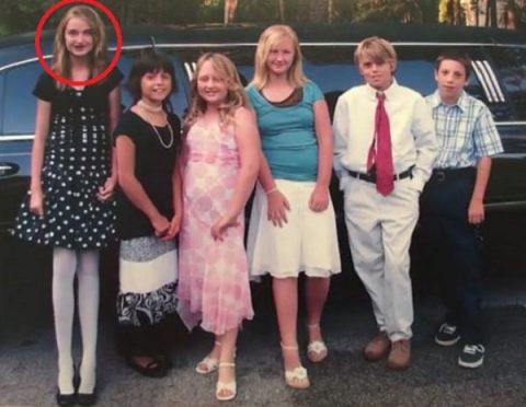 Девочку слева в школе дразнили жирафом. Спустя 8 лет все мечтают сделать с ней фото!