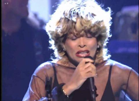 """Неуемная Тина Тернер отметила 76-летие исполнением своего хита """"Simply the Best"""""""