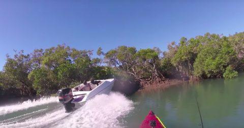 Шокирующее видео: как разбить скоростной катер и чуть не убить случайного рыбака за 3 секунды