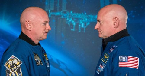 Один из близнецов, отправленный НАСА на год в космос, вернулся непохожим на брата