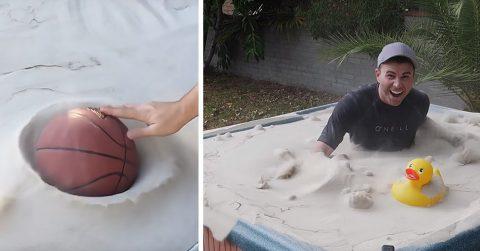 """Экс-сотрудник НАСА показал, как можно превратить """"песок в воду"""" и это просто потрясающе!"""