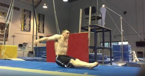 Супер-трюк: сальто назад из положения сидя