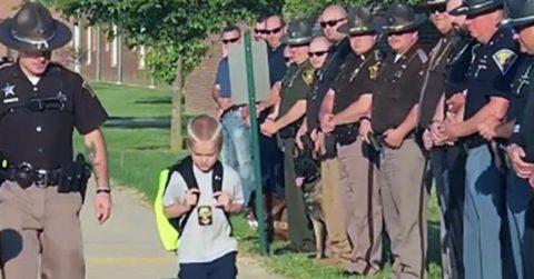 Мальчик потерял отца и попросил кого-нибудь из его коллег отвести его в школу. Но такого ответа он не ожидал!